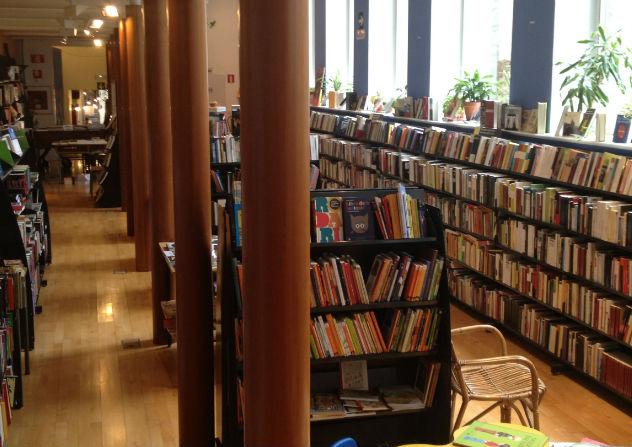 Katrakak - Pamplona (Cantina, Librería, Espacio social)